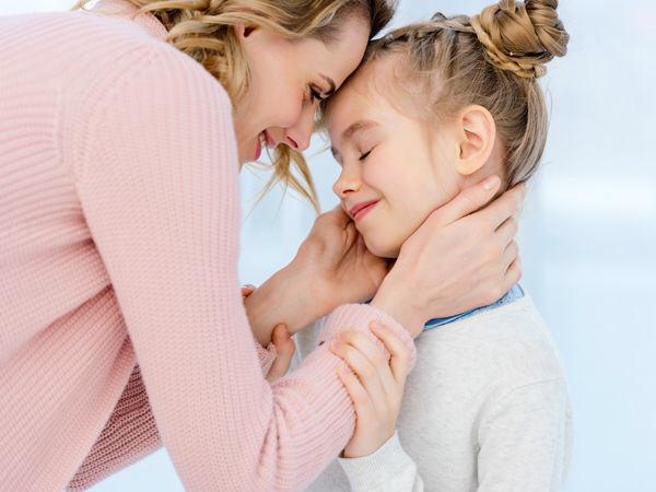 Яна Борохта, объятия, любовь мамы, прикосновение